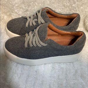 Sneaker platforms